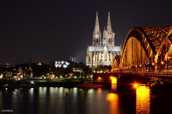 Night view of Köln