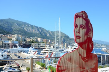 Grace Kelly at the port