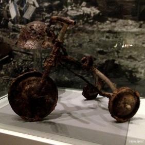 Atom bombasından sonra bir çocuk bisikleti