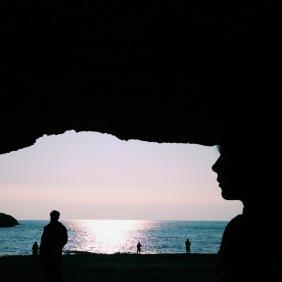 Dyrhólaey Sahili'nde mağaranın parçası oldum :)