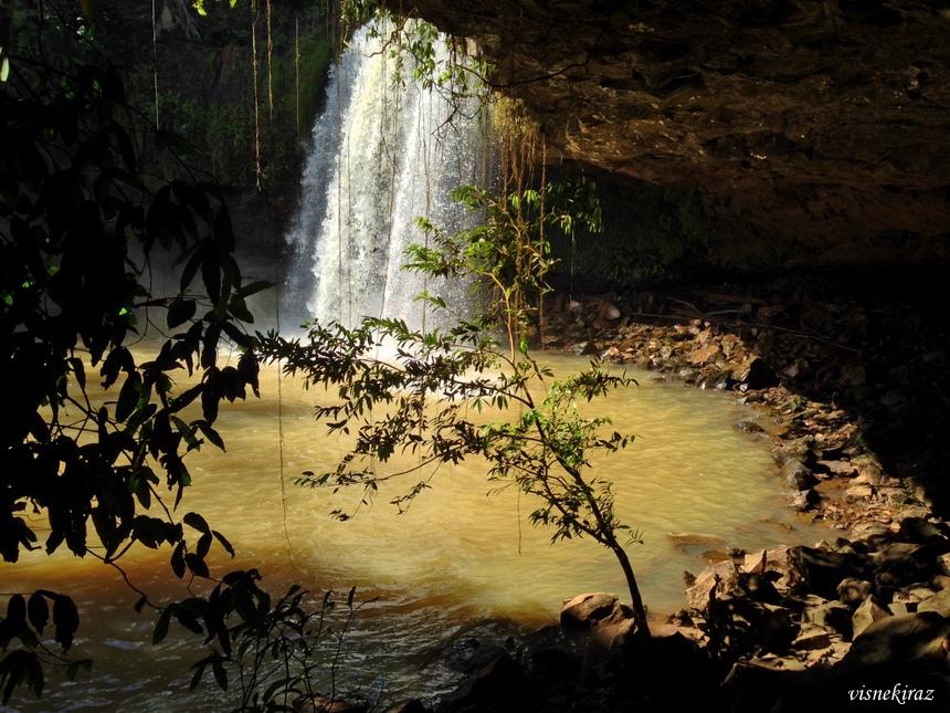 Banlung Waterfalls - Katieng